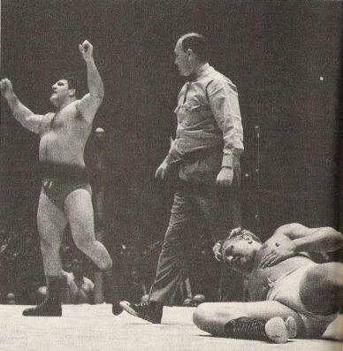 Historic Old School Wrestling Images Tumblr_lnkxpszmYB1qlz9k9o1_400