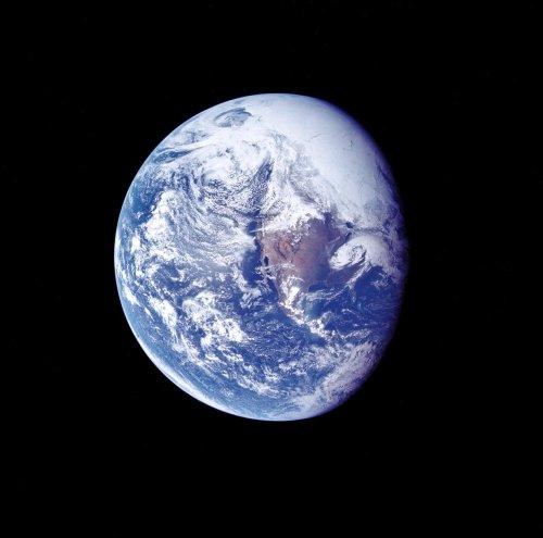 Des signaux radio du centre de la Terre reçus par la NASA… Terre creuse photographiée… Tumblr_lw7zpiJRIL1qbn5m1o1_500