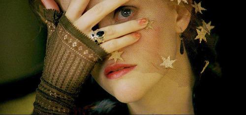 Vanity Fair (2004) : le film de Mira Nair Tumblr_mnpdhnmp4o1qlll6ko1_500