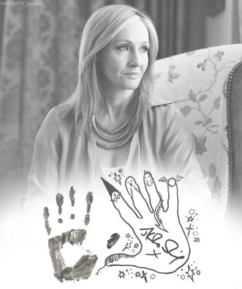 J.K. Rowling: the hands & handprints of the UK author! (Harry Potter) Tumblr_luvt8kc9sO1qdibyzo1_500