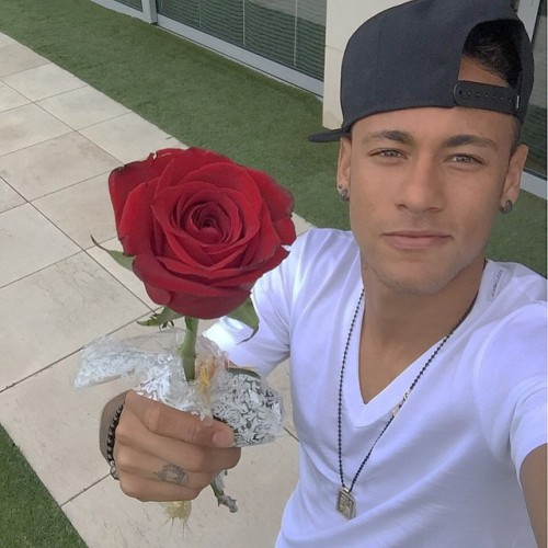 Neymar Jr. - Page 37 Tumblr_nn9vtbghqD1repc8no1_500