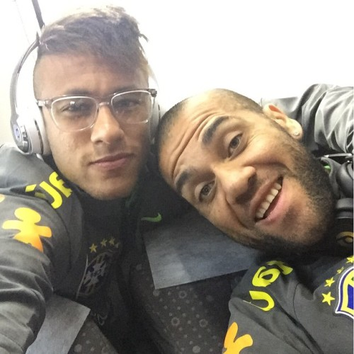 Neymar Jr. - Page 38 Tumblr_npur7qCrDs1repc8no1_500