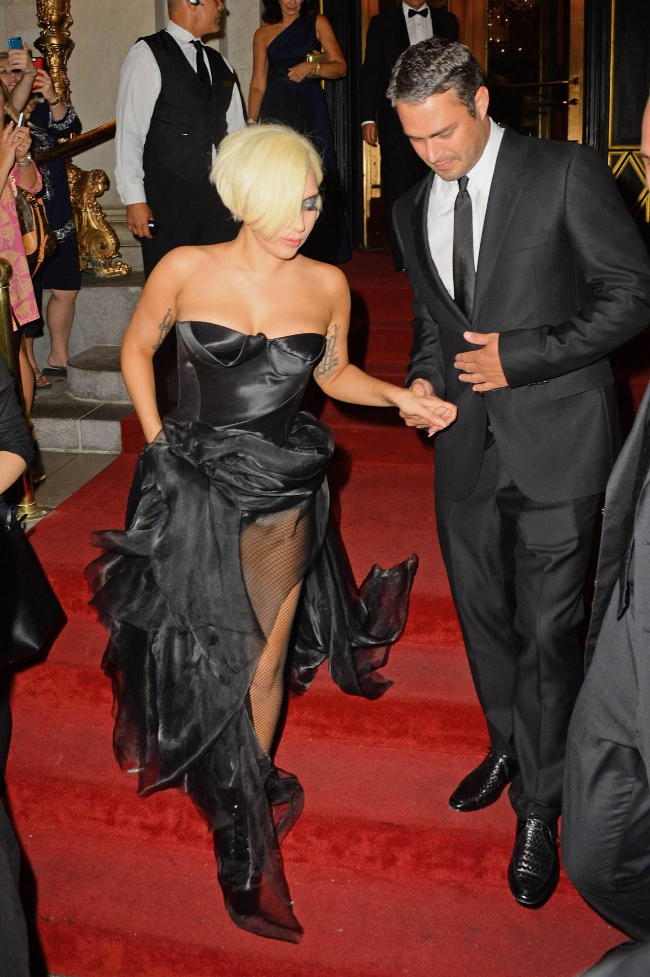 Lady Gaga and Taylor Kinney. - Page 3 Tumblr_nbhzfttufj1rz7rr7o2_1280