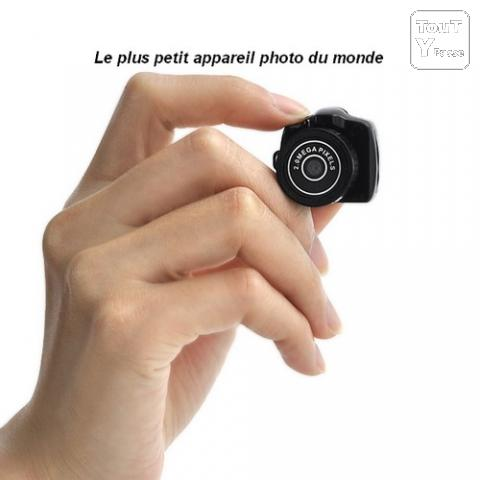 quel appareil photo - Quel appareil compact à emmener en balade moto/scoot - Page 3 Photo1-surement-le-plus-petit-appareil-photo-numerique-du-monde-max-16-go-1-7x1x6x6w928256