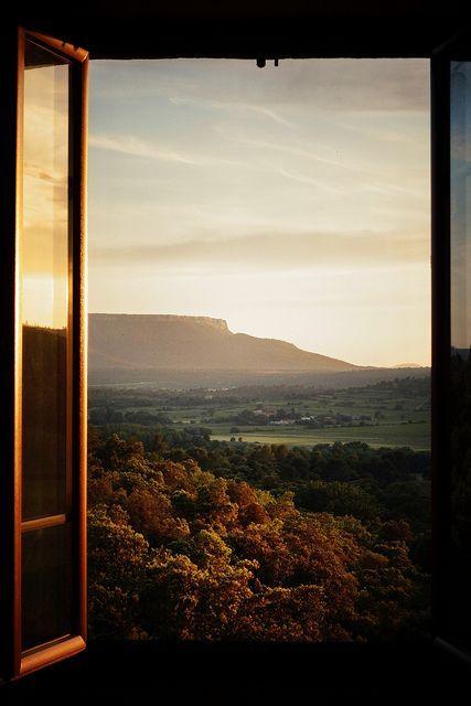 Prozori koji govore - Page 4 Tumblr_n6jt8gPeLm1ri50lgo1_500