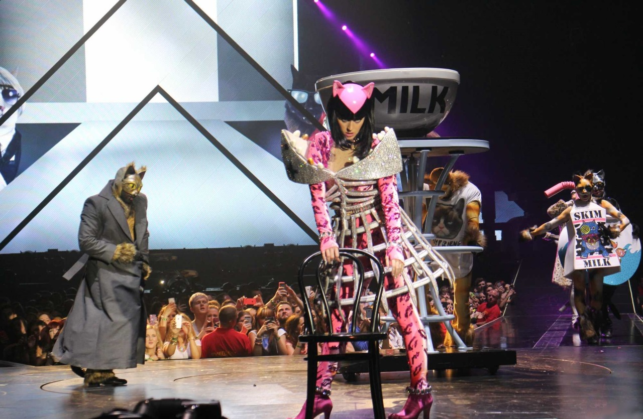 Katy Perry >> The Prismatic World Tour Tumblr_n58y1pycJY1qc70kwo3_1280