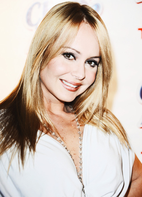 Gaby Spanic/ /გაბი სპანიკი - Page 2 Tumblr_mt2qe2L1PC1s9h5nko1_500