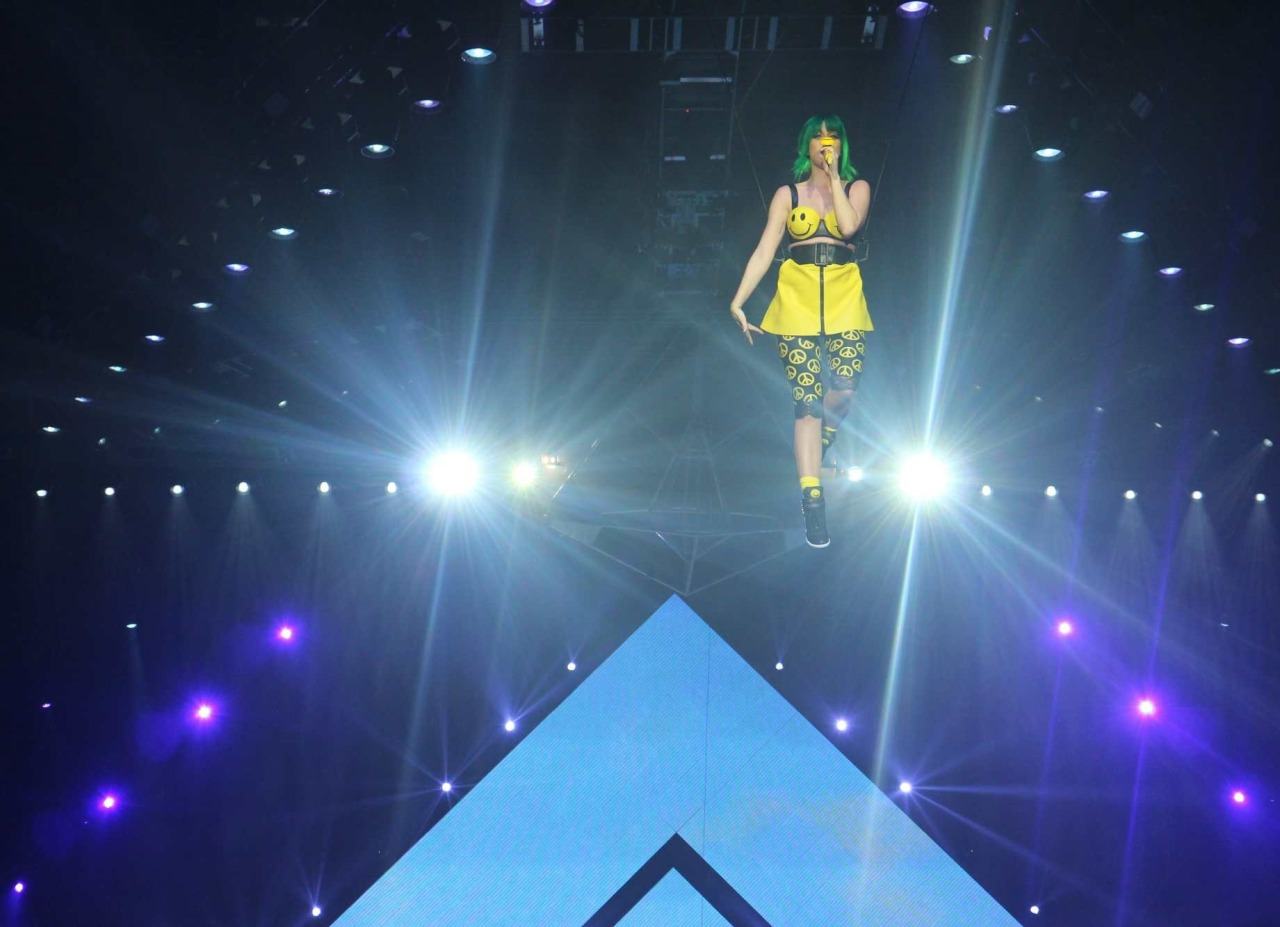 Katy Perry >> The Prismatic World Tour Tumblr_n58y4xKX7V1qc70kwo1_1280