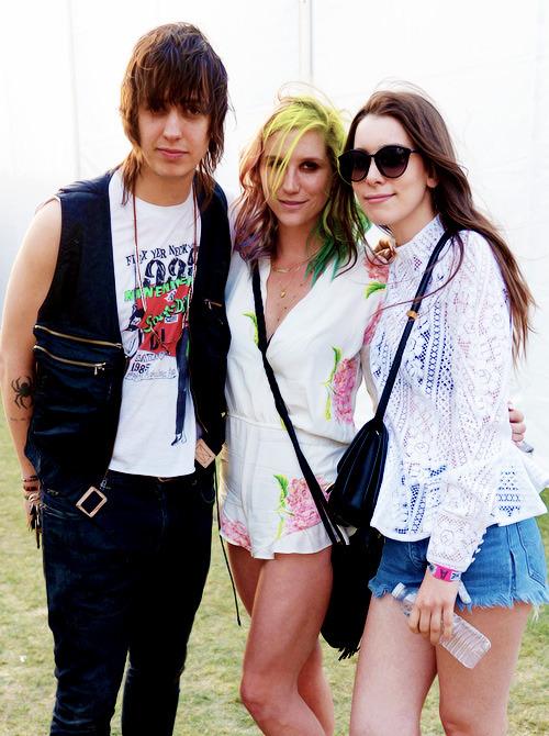 Kesha >> Galería [Candids, apariciones, paparazzi, etc.] - Página 11 Tumblr_n3y6v0p8JA1srj5apo1_500