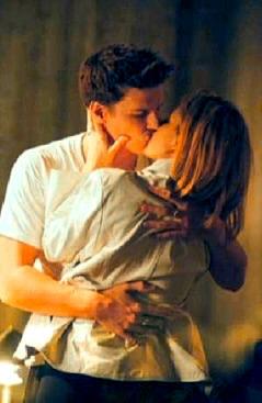 Buffy & Angel Tumblr_m9bq73FHzQ1rys0c1o3_250