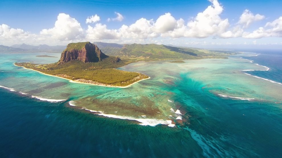 Existence of 'Lost Continent' Under Indian Ocean Confirmed Land-990x556