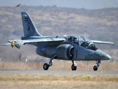 aeronaves - [Internacional] Duas aeronaves Pampas colidiram as asas durante show aéreo 75564_3907618374660_1405333798_33705613_20223129_n