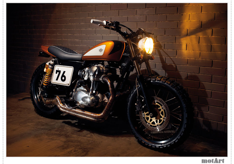W650 - Page 2 Ton-up-garage-motart-1