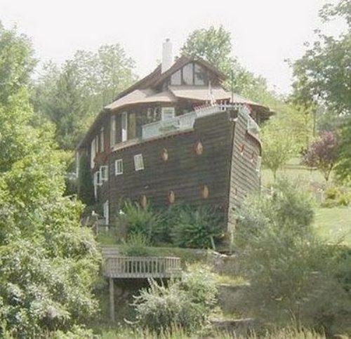 صور غرائب البيوت Unique-bizarre-houses-1