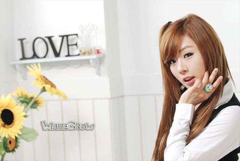 Hwang Mi Hee – Xinh không đỡ nổi Hwang_Mi_Hee_200912_13