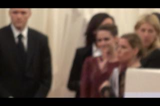 Kristen Stewart - Imagenes/Videos de Paparazzi / Estudio/ Eventos etc. - Página 31 BJpABCzCQAETN2B.jpg-large