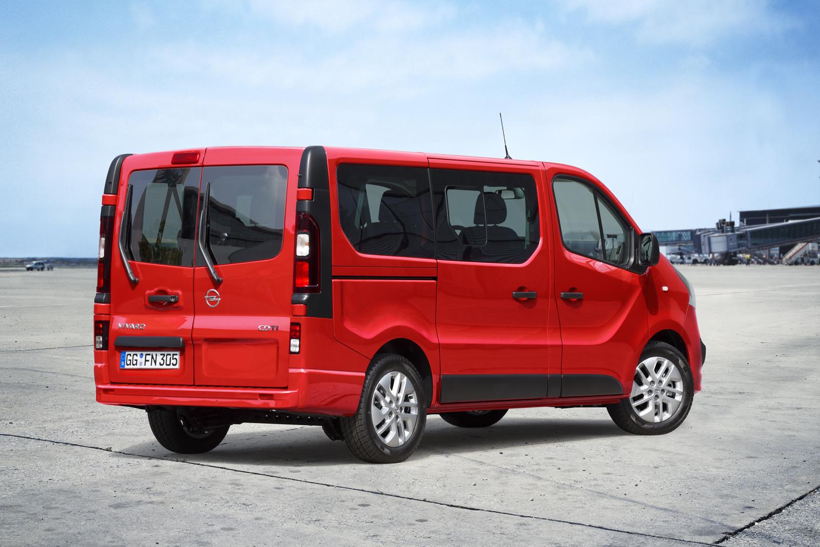 2014 [Renault/Opel/Fiat/Nissan] Trafic/Vivaro/Talento/NV300 - Page 10 Opel-Vivaro-Combi-2