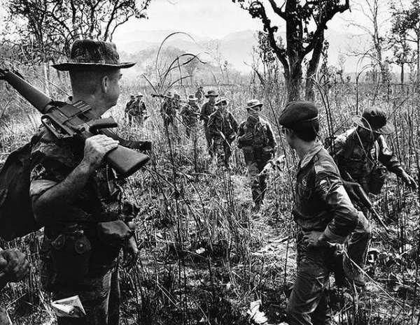 soldats sud-vietnamiens Daklak1966bknungussf