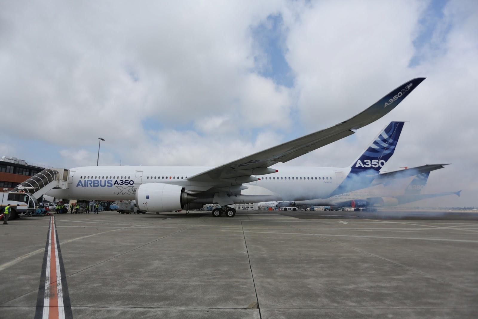 Airbus A350  A350_XWB_first_engine_run