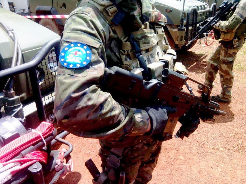 Tropas españolas en la República Centroafricana socorren a un convoy francés 140620-primera-mision-fuego-real-2