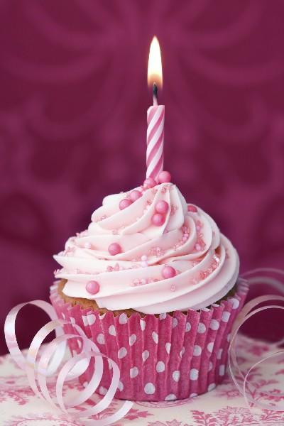 Joyeux Anniversaire Lalabel 16_cupcake-anniversaire.slide