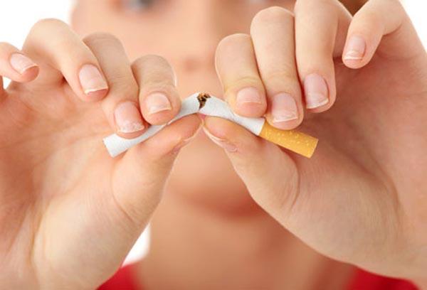 புகைப்பிடிப்பவரா நீங்கள்? சில எச்சரிக்கை குறிப்புகள்..!! Smoking-affects_22