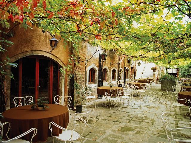 Italija - Page 2 Dining_Alfresco_Venice_Italy