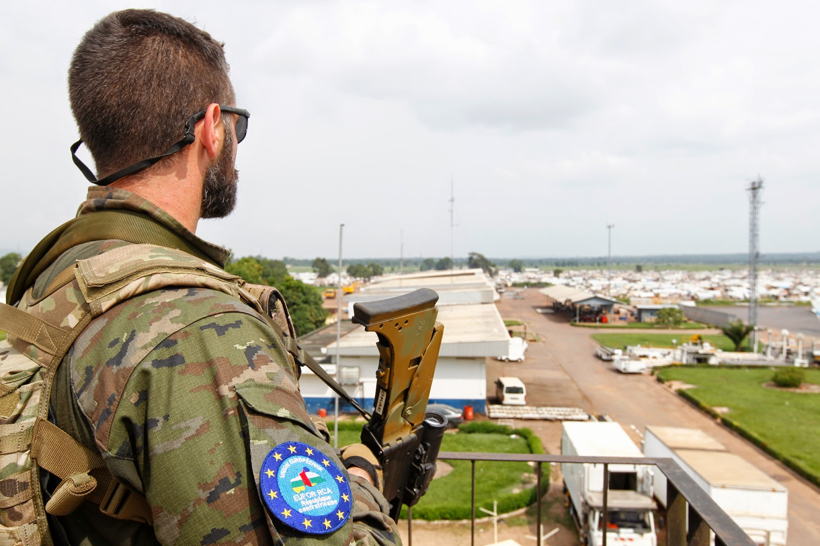 Tropas españolas en la República Centroafricana socorren a un convoy francés DGC-140620-Centroafrica-01-G