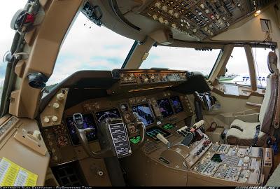 Simulando o voo BA0247: de Heathrow a Guarulhos no Boeing 747  Cockpit