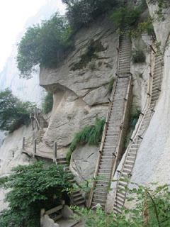HuaShan , el sendero mas peligroso del Mundo .  Huashan4