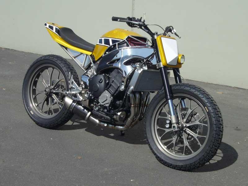 Le tracker de Kenny Roberts version 2011 Yamaha%2BR1%2BTracker%2Bby%2BGregg%2527s%2BCustoms%2B02