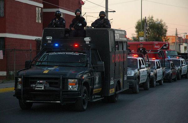 Vehiculos tacticos de Policias locales de Mexico Coacalco