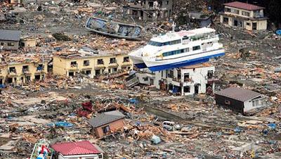 Taxistas japoneses afirman haber transportado a los fantasmas de las víctimas del tsunami de Japón del 2011 Tsunami%2Barea%2Bcatastrofe%2Btaxi%2Bfantasma%2Bpasajero
