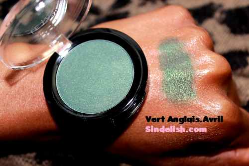 [mars 2015] Glossybox - Page 11 Swatch-fard-vert-anglais-avril-beaute-sindelish-maquillage-bio-discount-pas-cher
