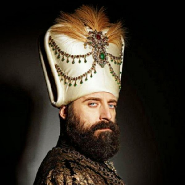 Personajes de Suleiman el gran sultán Halit-Ergenc-The-Best-Turkish-Actor-of-Mera-Sultan-1