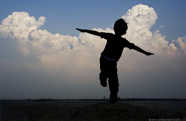 اقدامك في الارض وراسك في السماء  _MJM8426