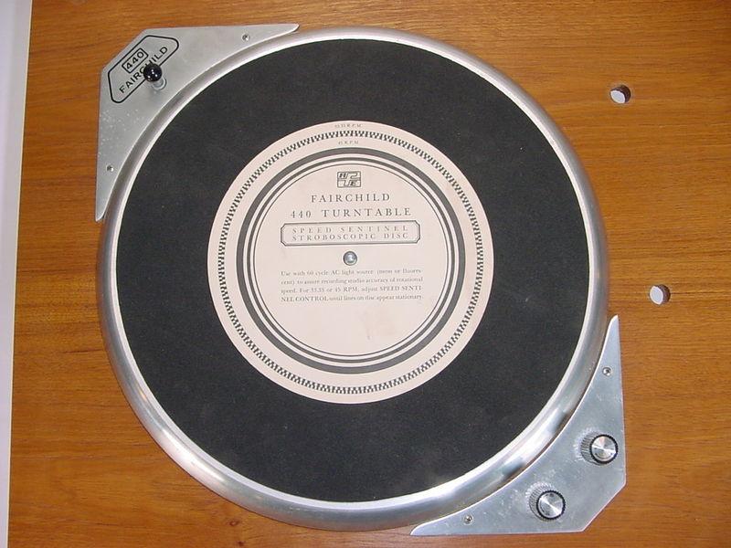 USA. VINTAGE (50,s-80,s) - Página 2 Fairchild-440-12-stereo-transcription-turntable-1