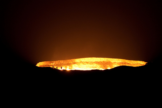 Le cratère de Darvaza Darvaza-gas-crater-1