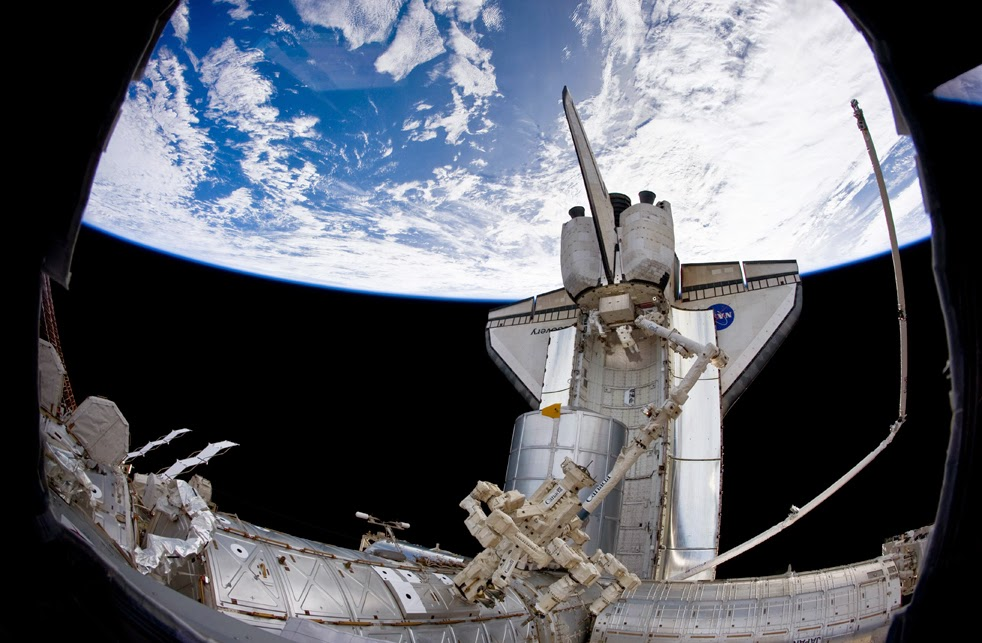 --Работа шаттла на орбите : фотографии-- ShuttleD