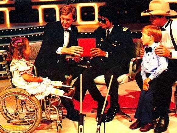 Foto di Michael e i bambini - Pagina 22 At%2Bthe%2Btelethon%2Bin%2BPerth
