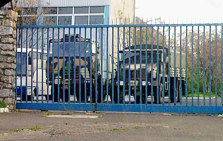 الصناعة الجزائرية العسكرية مع الصور..والتقارير تشير إلى عدم وجود تطور لتصل كعهد السبعينات 418298_341994379184777_1239389792_n