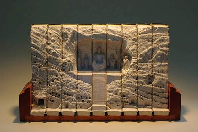 فن النحت على الكتب Landscapes-carved-into-books-guy-laramee-13