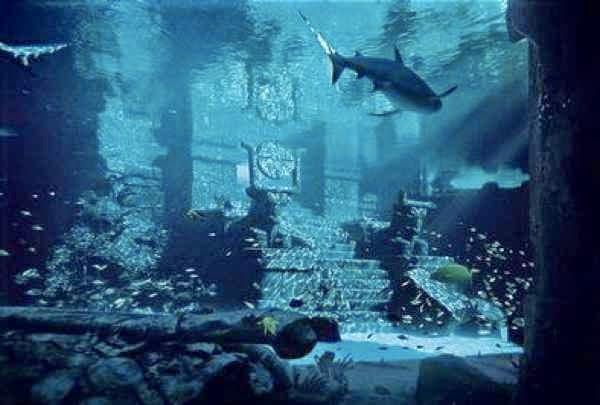 Las Pirámides bajo el agua. Atlantida