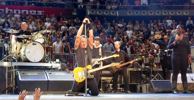 Bruce Springsteen - Page 27 Sydney1_097