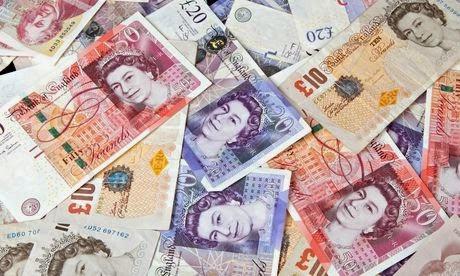 Europe, Trilatérale, mondialisme, soyez un conspirationniste : tôt ou tard, vous serez forcément dans le vrai British-banknotes---money-011