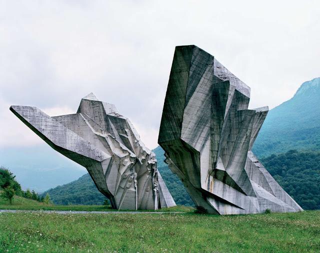 Construcciones abandonadas de la antigua URSS Spomenik_04