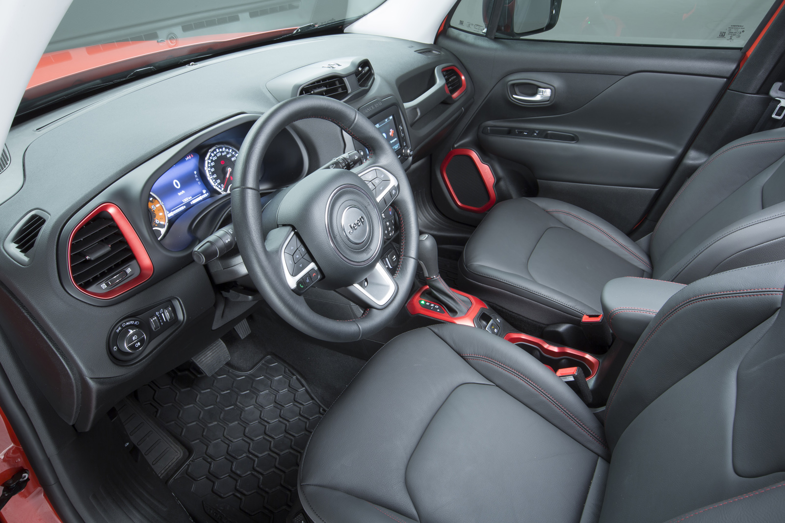 2014 - [Jeep] Renegade - Page 10 Jeep-Renegade-Trailhawk-24