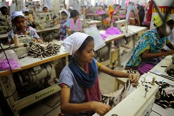 Nationalisme 595861_des-ouvrieres-de-l-industrie-textile-a-dacca-le-16-avril-2012