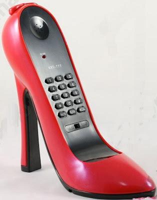 இதுவரை நீங்கள் கண்டிராத அழகிய தொலைபேசிகள்  Unusual-telephones-06