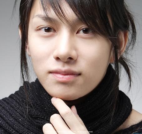 Petit tour sur l'autre bout du monde - Page 2 Kim-hee-chul